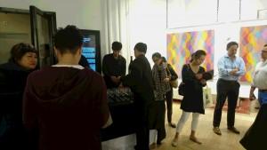 会場となった各画廊では、参加者同士のコミュニケーションも活発に行われていた