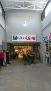 Pick n Payの店舗外観